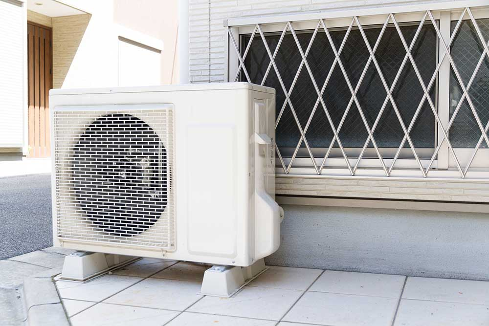 エアコンの室外機も掃除しないとダメ?!